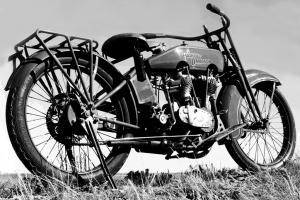 E-2 1922-B&W 5515