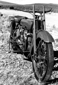 E-2 1922-B&W 5516